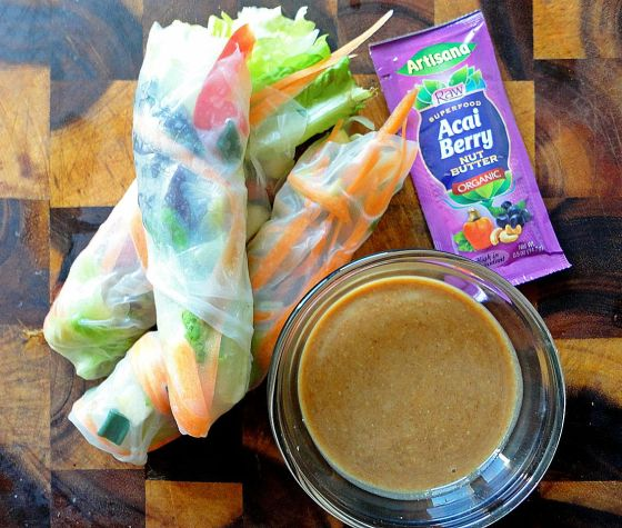 salad rolls and peanut butter sauce