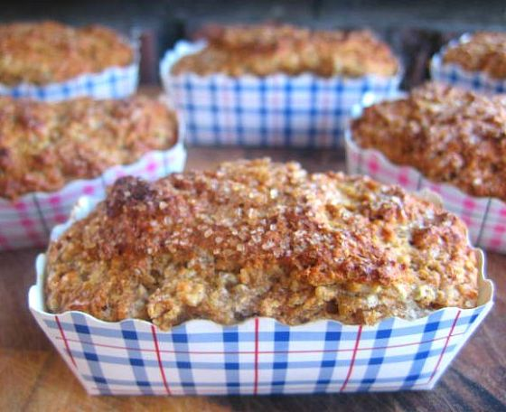 chia, yogurt & applesauce muffins
